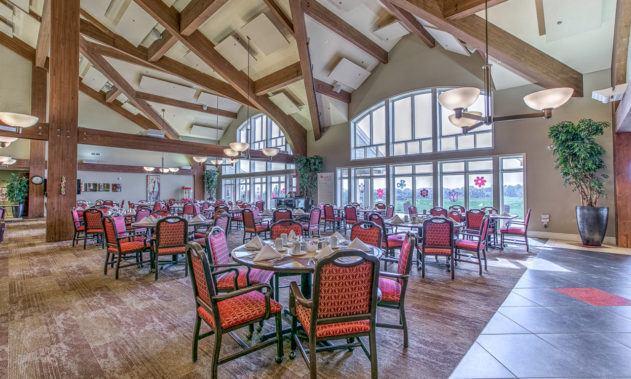 Elk Ridge Dial Senior Living - Dinning
